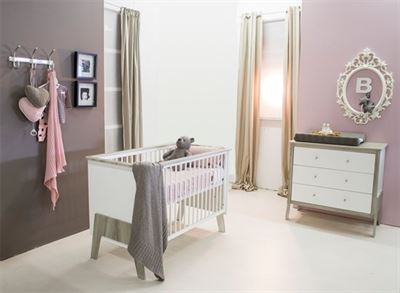 Babykamer Wit Grijs.Babies First Babykamer Nicky 2 Delige Ledikant Commode Wit